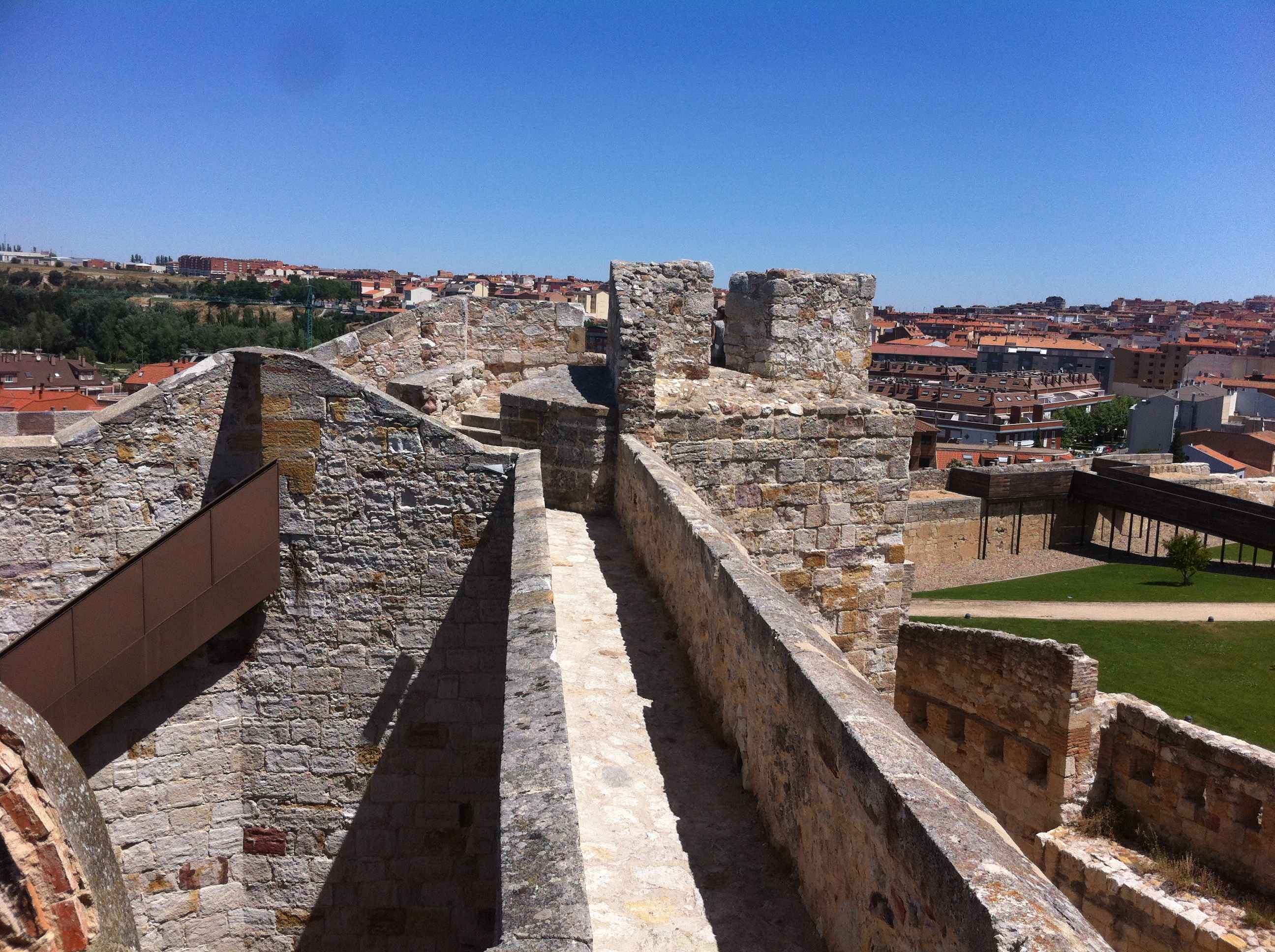castle in Zamora