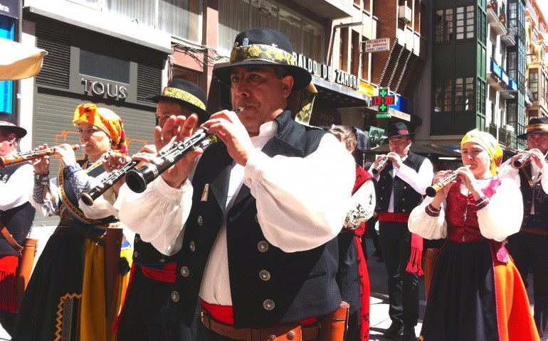 Spain language school Madrid band