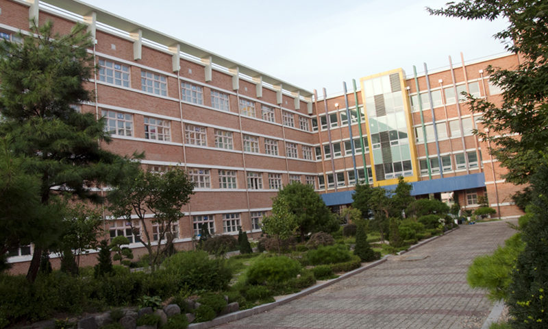 A Korean public elementary school.