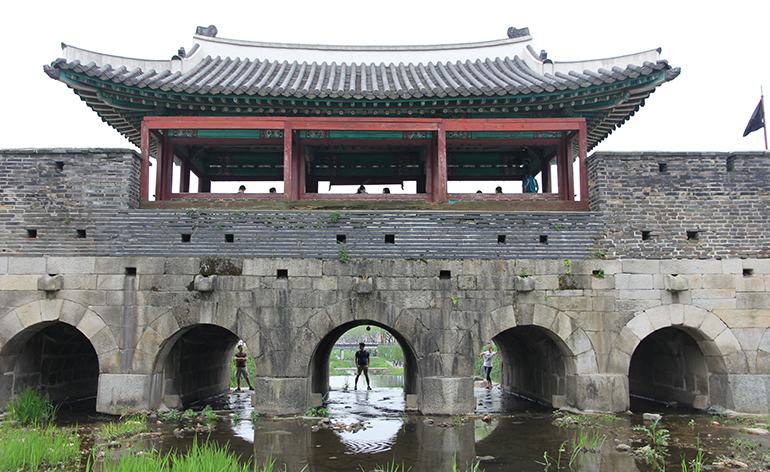 Take 5 – The Waygook Book: A Foreigner's Guide to South Korea